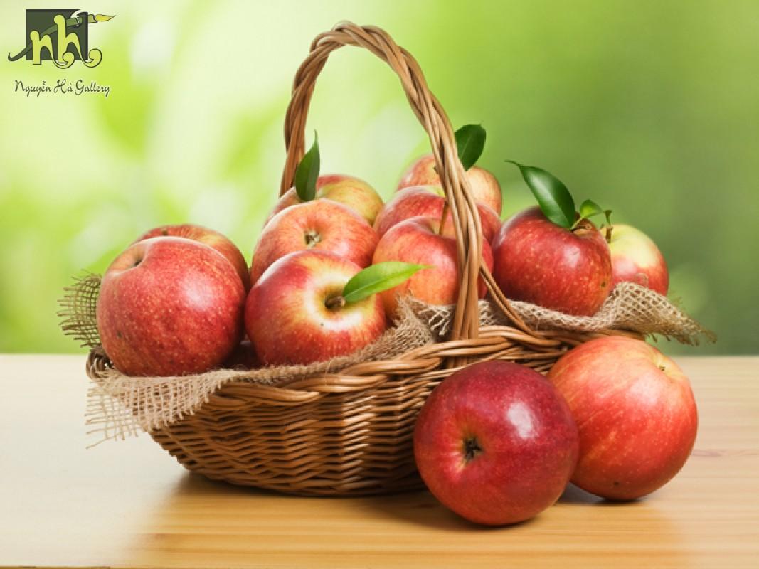 Tranh tĩnh vật giỏ táo 1